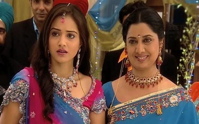 Maayka  Saison 2 : La suite des aventures des filles de la famille Malhotra