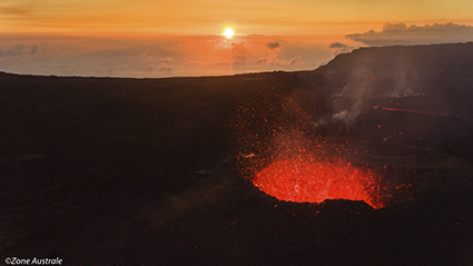 Photo d'archives : Piton de la Fournaise - ©Serge Marizy/Zone Australe