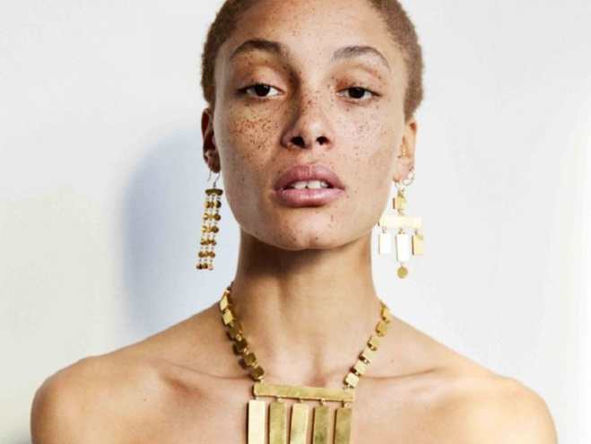 Adwoa Aboah sacrée mannequin de l'année lors des Fashion Awards 2017