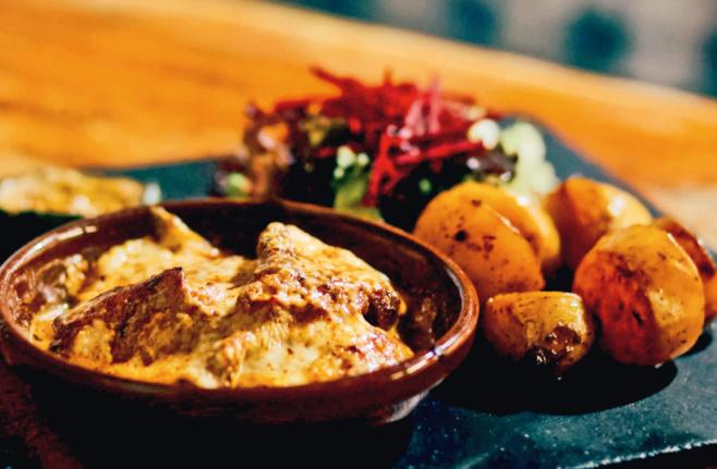 Filets de caille rôtis à l'huile de truffes blanches et gratinés au comté