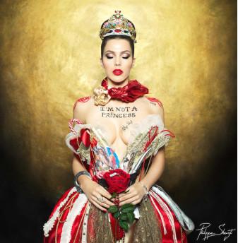 Iris Mittenaere, Miss Univers 2016, vendue aux enchères