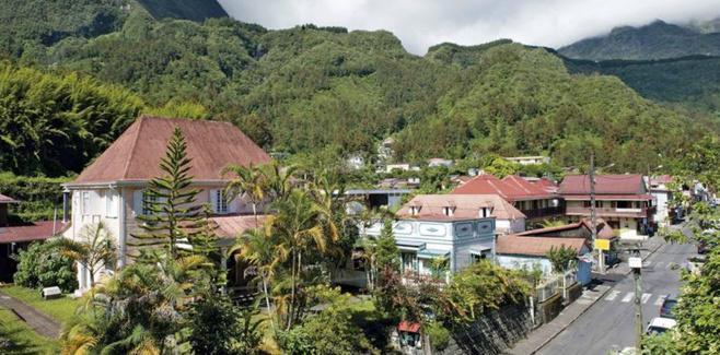 13 villages en compétitions pour « Le village préféré des Français » : Hell-Bourg représente La Réunion