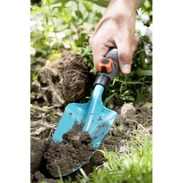Les outils indispensables pour jardiner