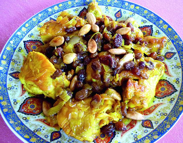 Tajine de poulet aux raisins