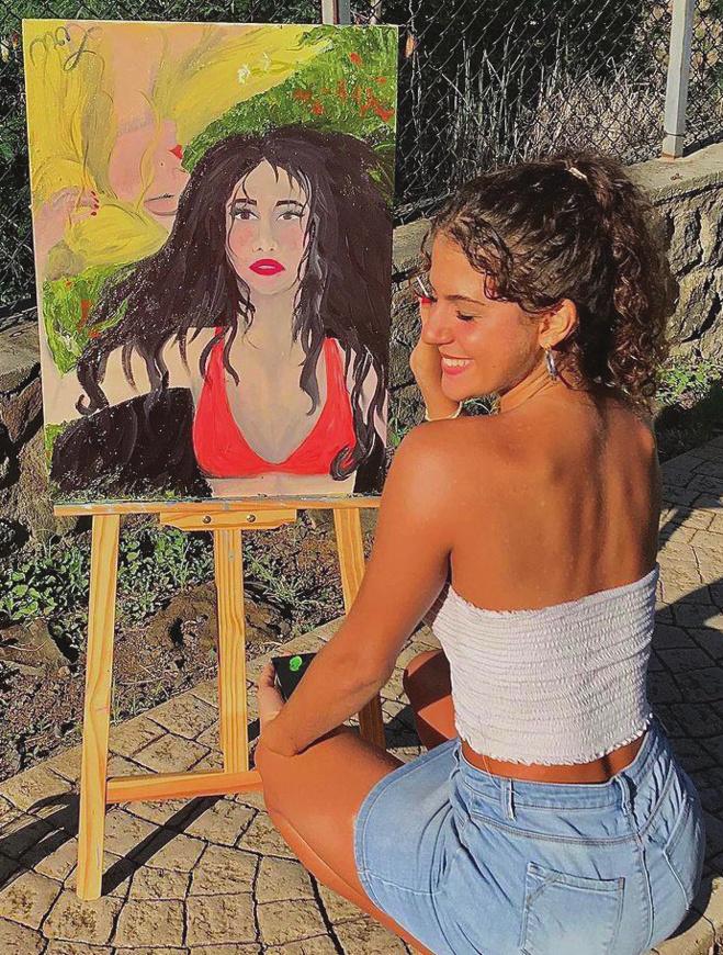 Elle s'est découverte une  nouvelle passion à travers  la peinture
