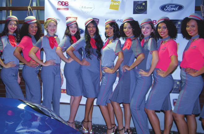 Candidates Miss Réunion et mannequins lors de la soirée