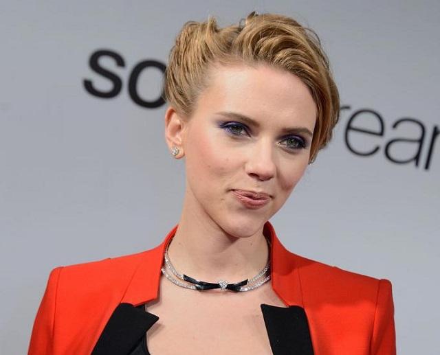 Scarlett Johansson veut rencontrer son sosie (de 72 ans)!
