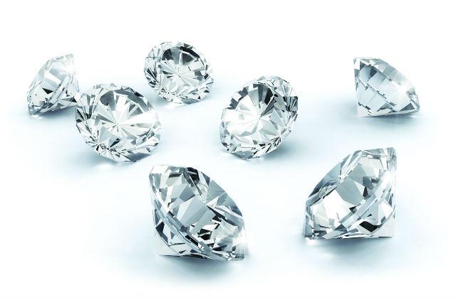 Un bijou fantaisie se révèle être un diamant de 26 carats!