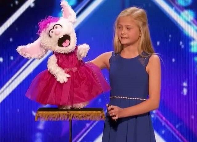 Une ventriloque de 12 ans éblouit le jury d'America's Got Talent