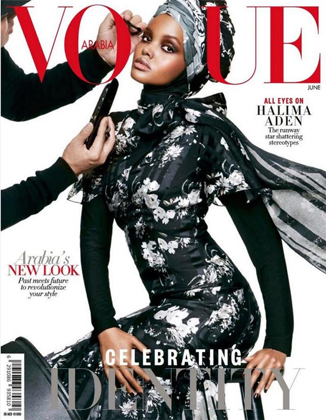 Halima Aden, première femme noire et voilée à faire la une de Vogue
