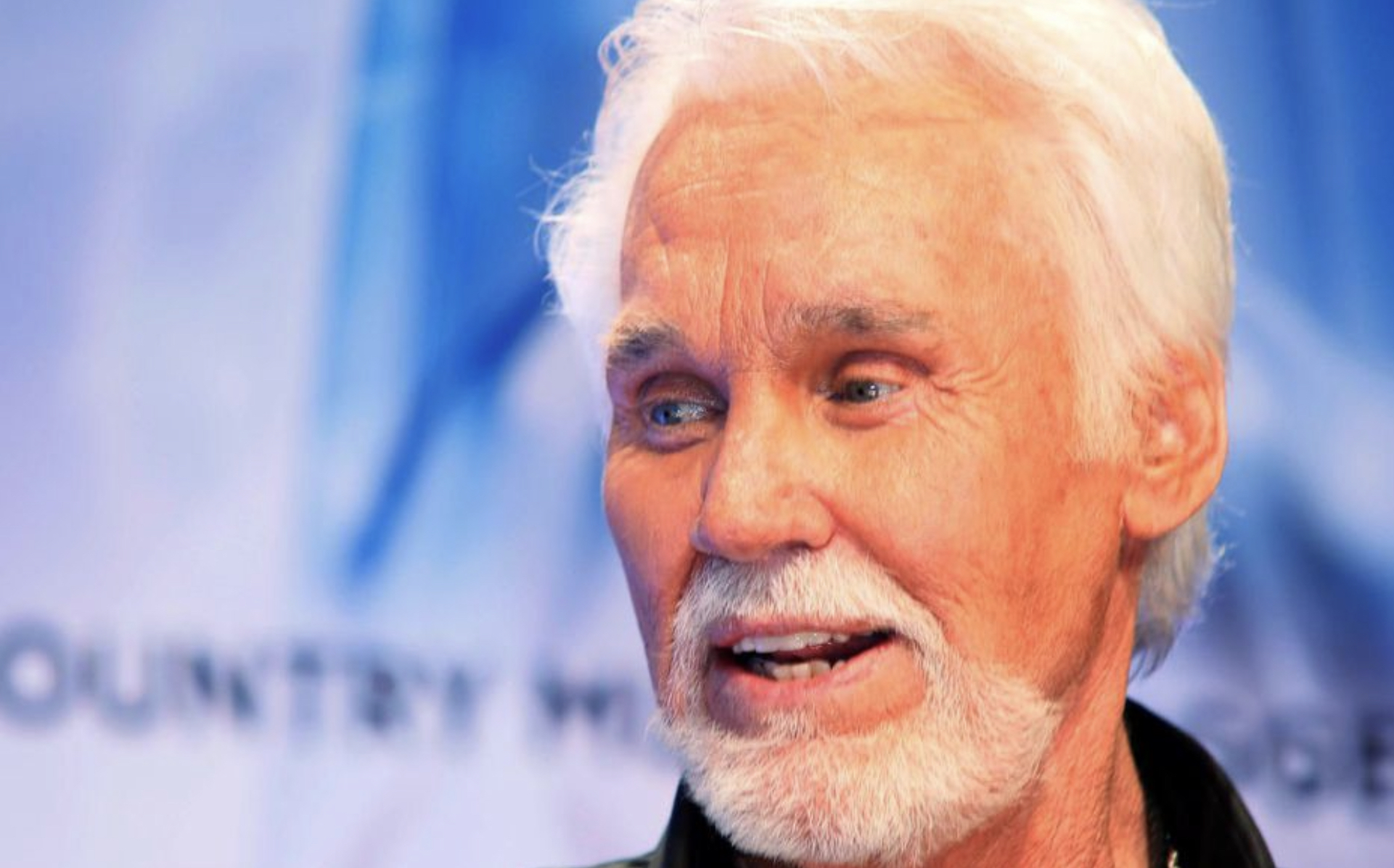Kenny Rogers, grand nom de la musique country, est décédé à 81 ans