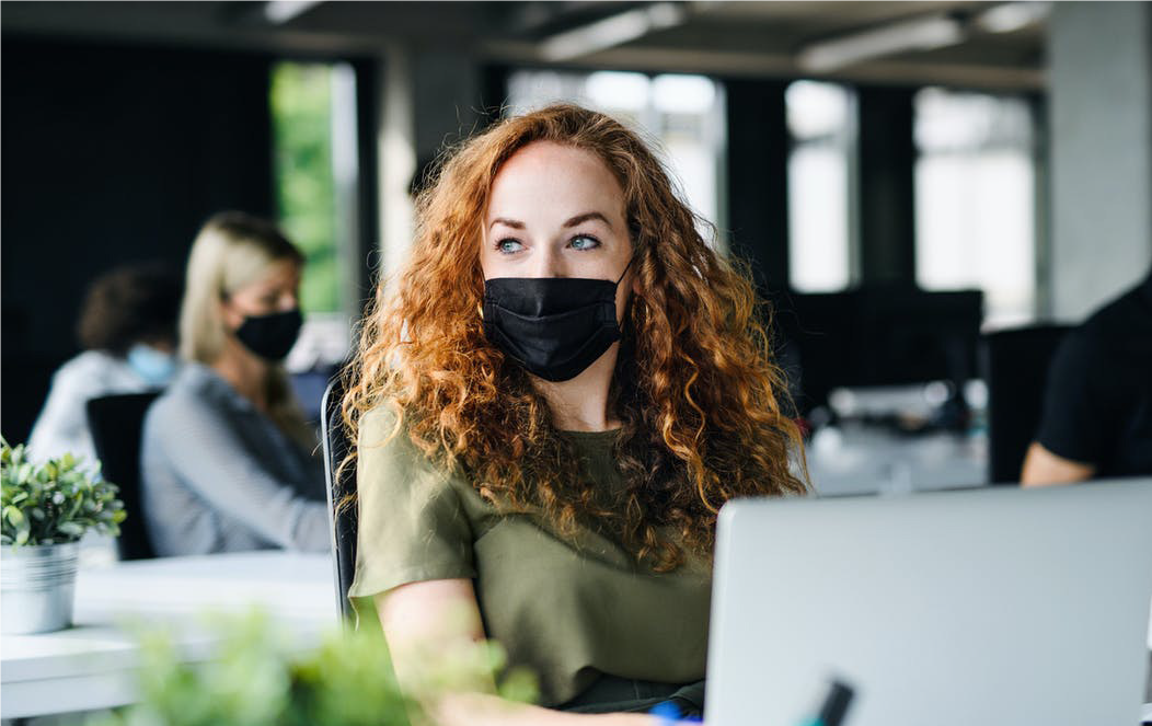 Masque obligatoire au bureau : est-ce qu'on a le droit de refuser ?