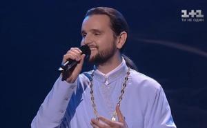 Un prêtre remporte la finale de The Voice Ukraine!