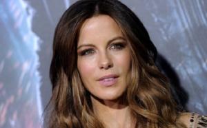 Kate Beckinsale, 43 ans, en couple avec un beau gosse de 21 ans !
