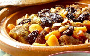 Tajine d'Agneau aux pruneaux, abricots et amandes grillées