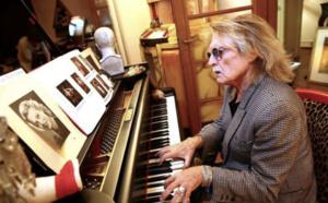 Coronavirus : le chanteur Christophe hospitalisé à Paris