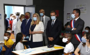 CYRILLE MELCHIOR ACCUEILLE LE MINISTRE DES OUTREMERS AU COLLÈGE JEAN LETOULLEC