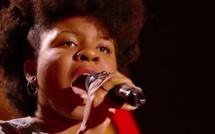 """The Voice 6 : Shaby, la petite chanteuse de """"Plus près de toi"""" séduit le jury"""