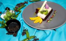 Pavé d'espadon poché, légumes bio de saison, jus à la racine de curcuma