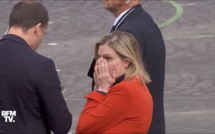 Panique !! La ministre a oublié son masque à son arrivée à la cérémonie du 14 juillet